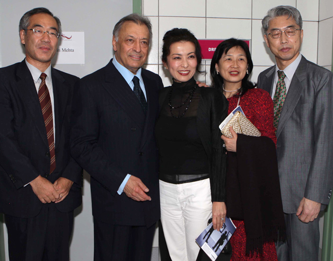 After concert: Maestro Mehta and members of the Japanese Embassy in the Emirates